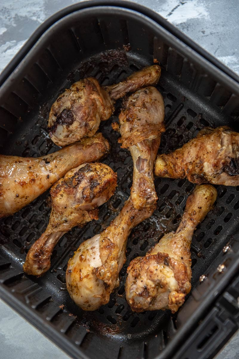 chicken legs in air fryer basket