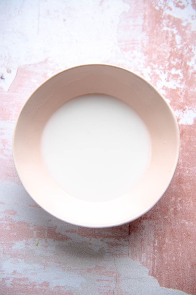 pink bowl with slurry of tapioca flour and water